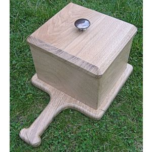 Everyday Graveside soil and petal box (Light oak)